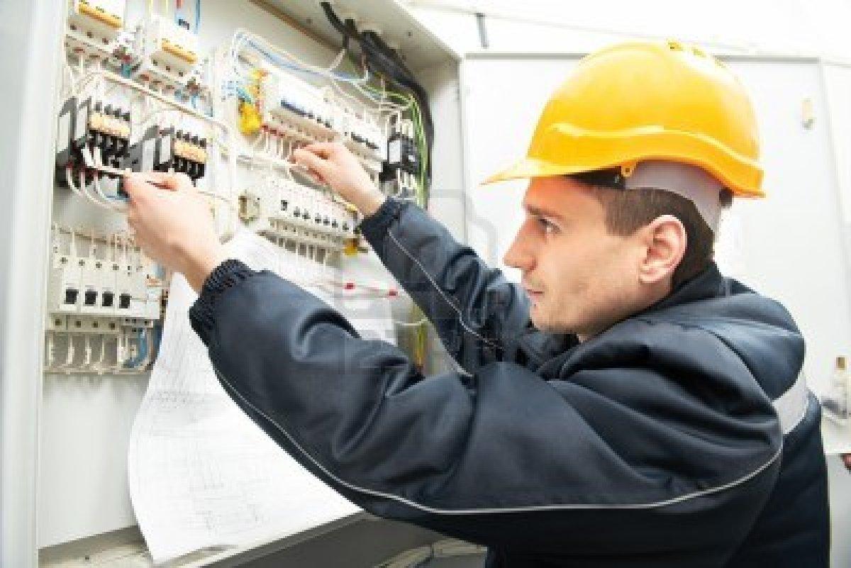 Calzado de seguridad especial para electricistas libre for Trabajo de electricista en malaga